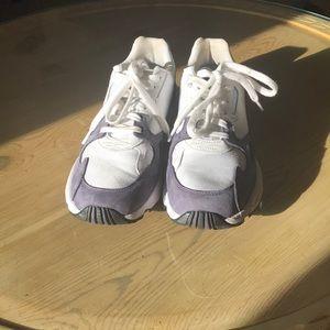 adidas original falcon sneaker